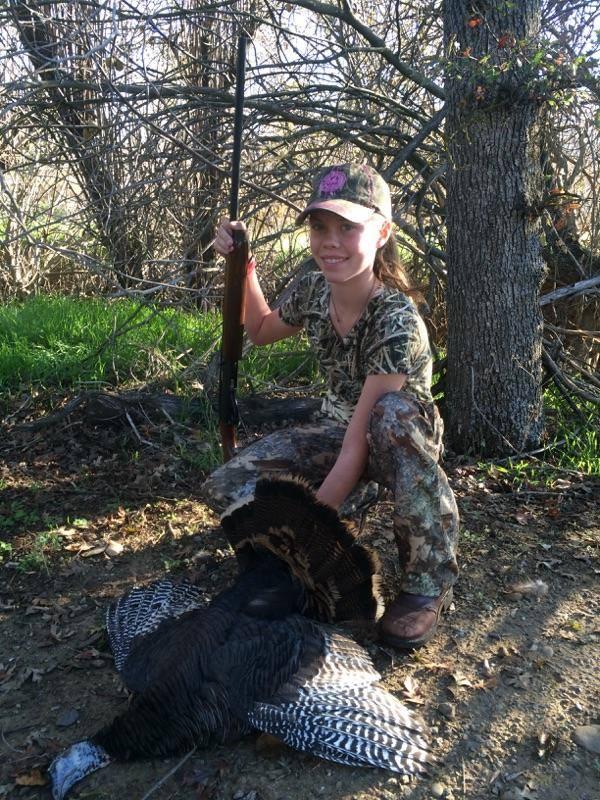 2girls hunting turkey